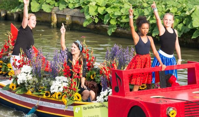 Voor de vijfde keer is het Kindercorso aan de stoet van het Varend Corso toegevoegd.