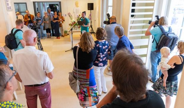 Rapper en dichter Georgios Lazakis opende met zijn indrukwekkende levensgedichten. Eigen foto