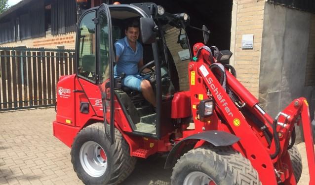 Paul is opgeleid als machinist, maar wilde niet in een hokje zitten. Nu bedient hij nog steeds machines, maar in de buitenlucht.