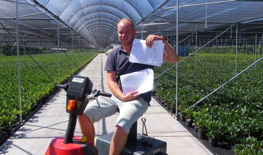 Initiatiefnemer David Moerings van actie 'Stop de Hefbrug' heeft al stapels met handtekeningen.