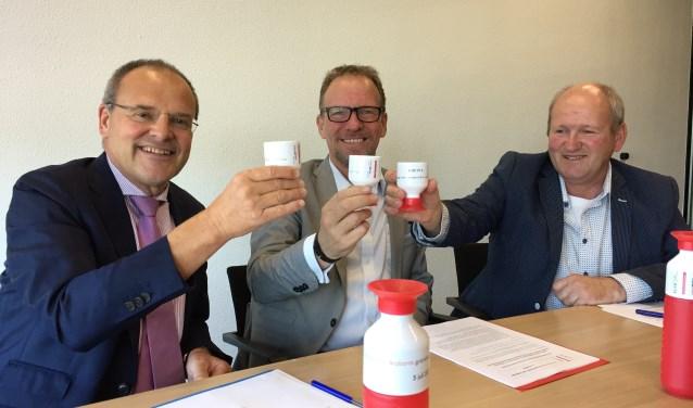 v.l.n.r.: Directeur Guiljo van Nuland (Brabant Water), gedeputeerde Johan van den Hout en ZLTO-bestuurder Gerard Nabuurs.