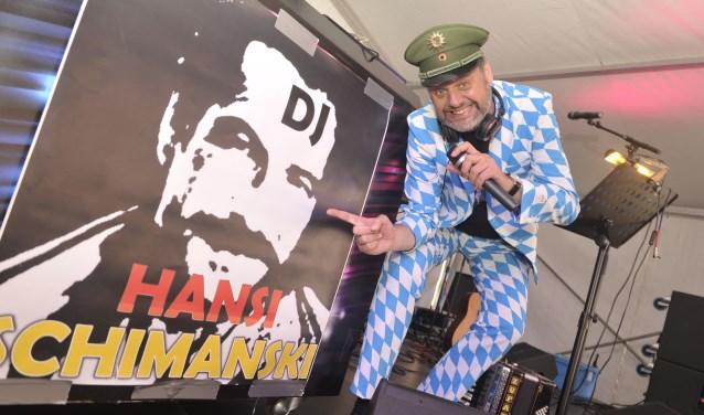 DJ und Moderator Hansi Schimanski : ''Jetzt geht's los bij SPASS op kermisvrijdag in Angeren in de tent!'