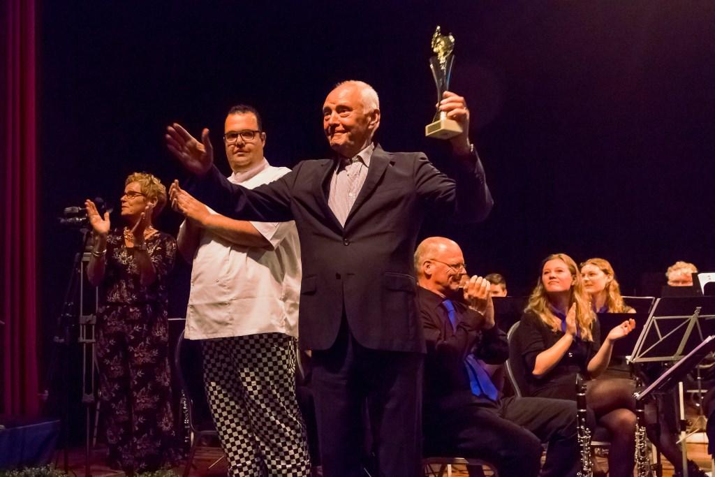 Met een nipte voorsprong kreeg Coos Rijsdijk de eervolle titel van Maestro van Boskoop. Richard van Loon en Helma van der Louw streden ook mee.