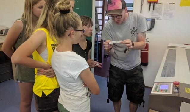 De leerlingen konden zelf aan de slag met een professionele 3D printer.