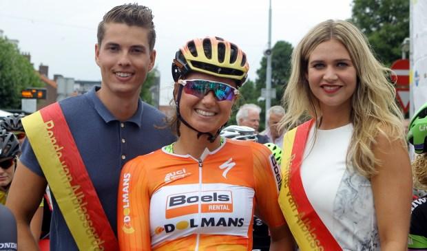Wereldkampioene Chantal Blaak en olympisch kampioene Anna van der Breggen starten op woensdag 25 juli in de Paardenmarktronde van Alblasserdam. (Foto: Dirk Werkman)