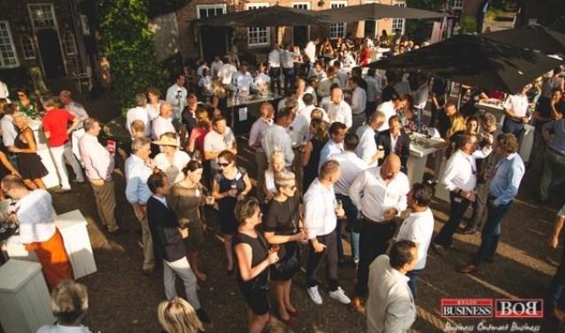 Ongeveer 600 mensen bezochten de BOB Zomerborrel in de schitterende kasteeltuin van Kasteel Marick in Vught.