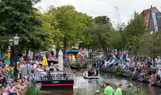 Vrijdag, zaterdag en zondag komt het Varend Corso in Delft weer voorbij