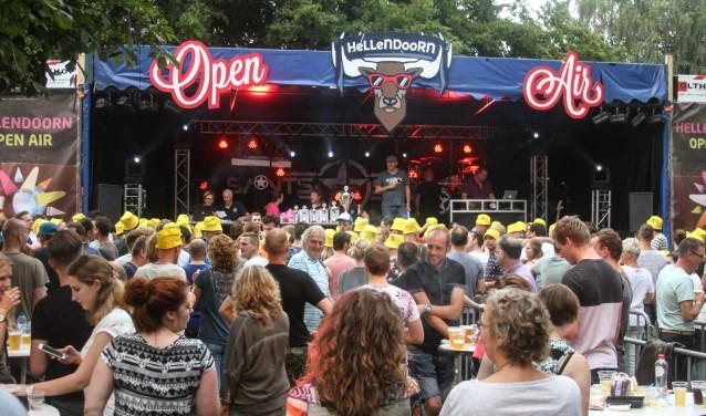 Bij Hellendoorn Open Air is er genoeg te doen, waaronder een bingo en een pubquiz. Ook zijn er diverse optredens.  Foto: HJ Broens.