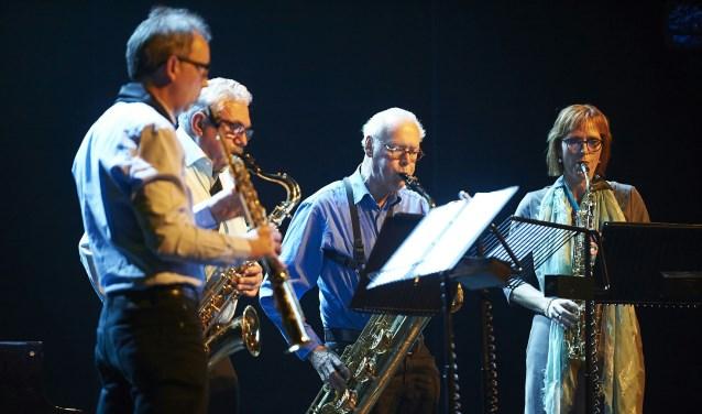 Het Ripieno Saxofoonkwartet verzorgt na de pauze de muzikale toon tijdens de Houwke Muziekzondag. FOTO: Timo Reisiger
