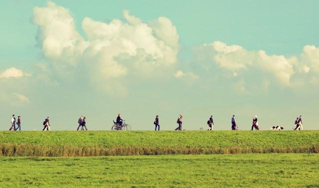 Loop van 16 tot en met 23 september mee met De Mars. Wandelaars verbinden dan 165 kilometer aan Nederlands erfgoed. Aanmelden kan via www.zuiderwaterliniemars.nl/de-mars. Foto: Protasov AN / Shutterstock.com