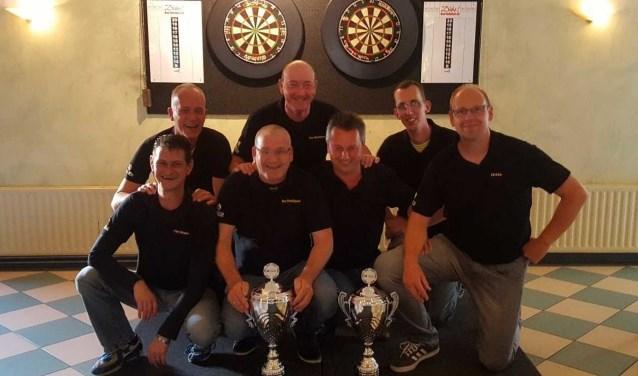 De winnaars van de Dartcompetitie Oude IJsselstreek. (Foto: Eigen foto)