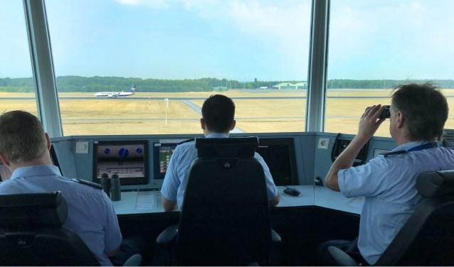 Een van de factoren die invloed kan hebben op geluidsbeleving, is het klimprofiel dat door een vertrekkend vliegtuig wordt gevlogen. FOTO: Sectie Communicatie vliegbasis Eindhoven.