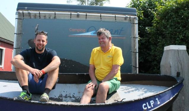 Jan en Jeroen: 'Wij zijn Colijnsplaetenaers, het heeft een plaatsje in ons hart. Colijn is met geen ander dorp te vergelijken. FOTO: L. JANSSENS