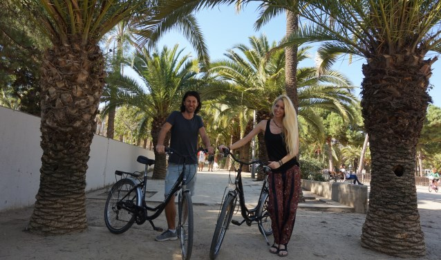 Robin en Joris zagen al een aardig stukje van de wereld en verzorgen intussen fietstours in Barcelona.