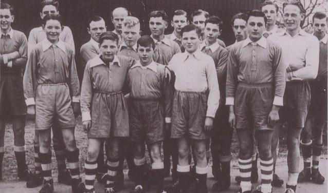 De voetballers uit Haps. (foto: Fotopersbureau Het Zuiden, collectie BHIC)