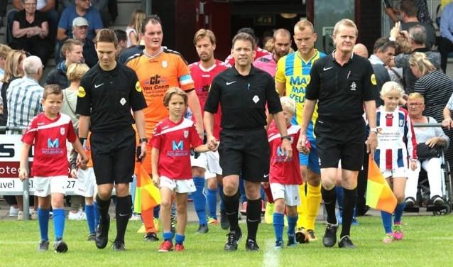 Aanstaande zondag neemt Regioteam Waalwijk het op tegen de profs van RKC Waalwijk. De wedstrijd is onderdeel van de open dag van RKC.