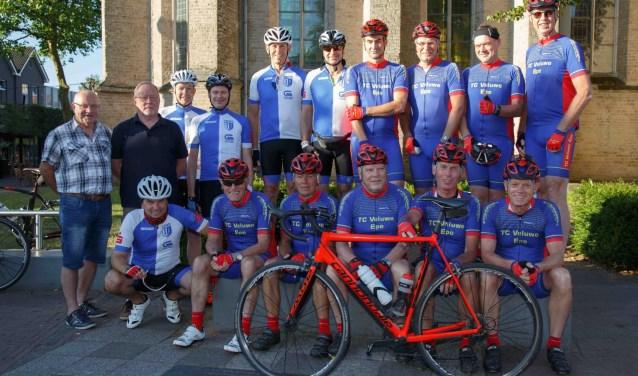 De groep fietsers die Epe-Epe fietsten. (Foto: Gerard Bomhof)