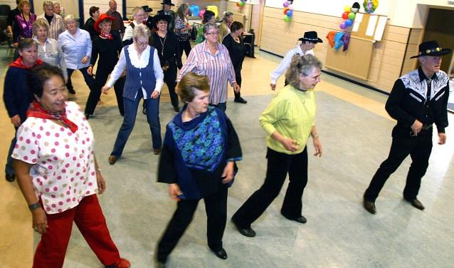 Leer line dansen bij de Langstraat Rolida's in Nieuwkuijk