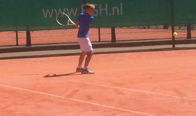 Een speler in actie tijdens het toernooi op zaterdag. FOTO: Nik Mandemakers