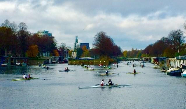 Het uitzicht over het kanaal met trainende roeiers, recreërende stadsmensen en zich ontwikkelende horeca- en woonbestemmingen is uniek. Foto: PR