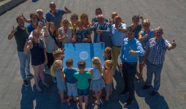 Ruim twintig organisaties ondertekenden, samen met de gemeente Geldermalsen, een 'pledge'om zich in te zetten voor een gezonde jeugd in een gezonde omgeving. Eigen foto