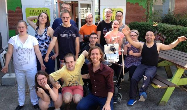 Het gehele interview met Wesley en Bas is aanstaande zondag van 19.00-20.00 uur te beluisteren bij Jes! via: rozoradio.nl/jes.