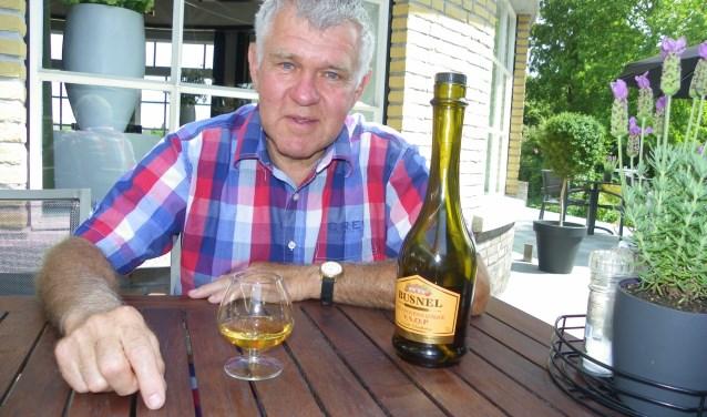 Bernard Pasturel kwam als Fransman naar Boskoop en bleef hier voor de liefde. Hij drinkt graag een glas Calvados, uit zijn geboortestreek in Normandië.