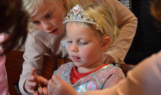 Eelke was 4 jaar toen ze voor 't eerst meedeed aan de Ridders & Prinsessen Dag in 't Markiezenhof. Nu is ze 7 en doet  maar wat graag weer mee.
