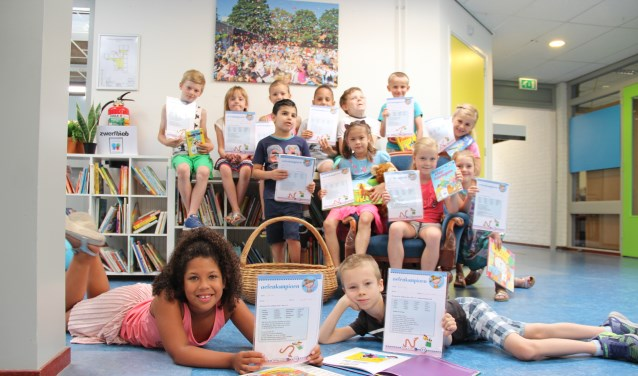 Juf Ruth van de Zilvermaan in Bloemstede is 'hartstikke trots'op het harde werk van haar groep 3, waardoor het leestempo van de kinderen het afgelopen jaar fors toenam.