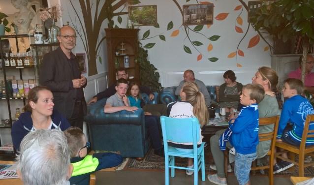 De winnaars van de Bijenquizzz, 'Tegel eruit, Plant erin' en de tuinenquête van Operatie Steenbreek.