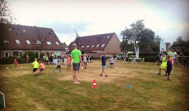 Er werd een sportieve middag georganiseerd op de Kermenstein. Het nodigt uit tot meer. (Foto: PR)