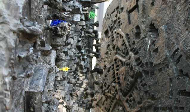 Het kunstwerk van binnen met wielrenfietsjes. Foto: Eveline Zuurbier