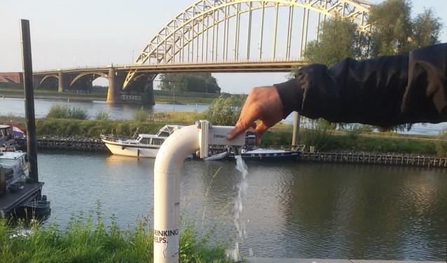 Kraanwater tappunt bij Lindenberg haven Nijmegen.