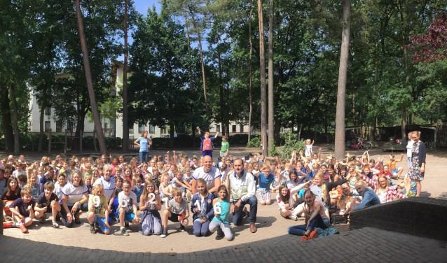 Leerlingen Zeister Vrije school en leden Roparun Team 19 vieren geslaagde sponsorloop