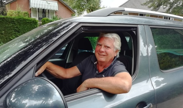 """""""Wij bieden een prachtige vrijwilligersbaan aan als chauffeur voor de Voedselbank Utrechtse Heuvelrug,"""" zegt Reinier van Kuyk."""