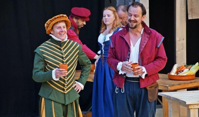 Voor de reprise van Shakespeare Verliefd opent de Vierschaar weer een pop-up store, dit keer in de Bergse bieb. FOTO: SONN FRANKEN