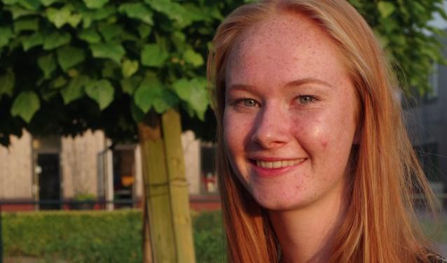 Julia de Vreede, Mavo-leerling op Steenspil in Halsteren, is Cum Laude geslaagd. FOTO: PR
