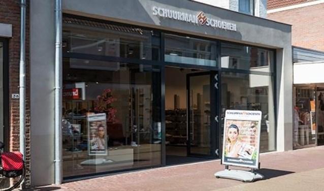 e095bccb282 hunt showdown review Schuurman Schoenen na brandschade weer open