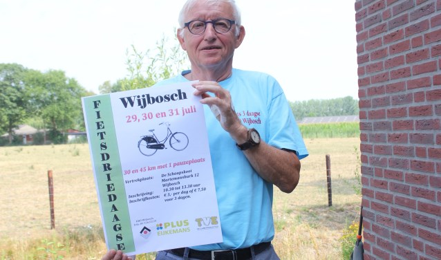 Jan van Kampen organiseert met hulp van vrijwilligers al voor het 8e jaar een fietsdriedaagse vanuit Wijbosch. Foto Wendy van Lijssel