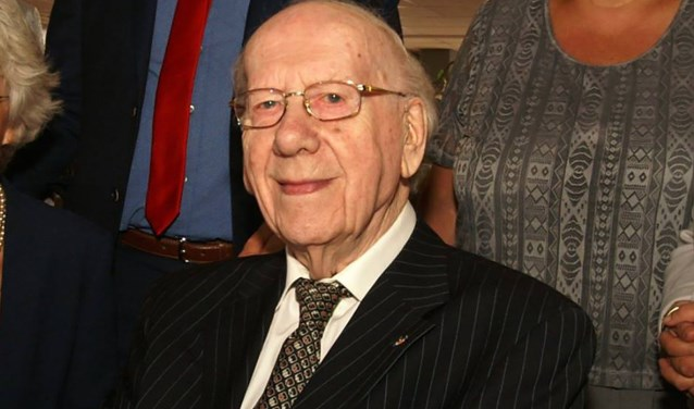 Harrie van Oudheusden uit Waalwijk viert maandag 30 juli zijn 102e verjaardag.