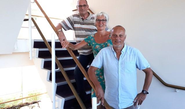 Thale Haderingh (links) liet zich door coach Hermien (midden) uit z'n dip trekken. Rechts Jan Kuijper. Foto: Franklin Veldhuis