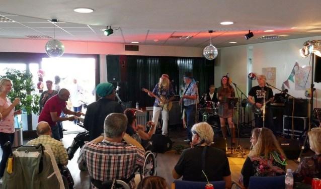 Muzikaal optreden NAH-cafe De Breinbrouwerij
