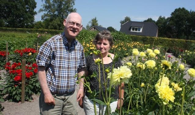 Vrijwilliger Freek de Weerd en voorzitter Grietje Rorije sturen een SOS bericht de wereld in om meer mensen aan de slag te krijgen.