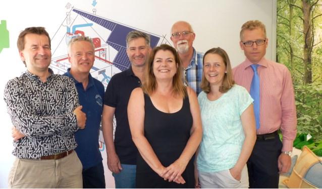 Van links naar rechts Frank Wijsmuller, Wouter Kraan, Arnout Druyvesteyn, Annemiek Verstappen, Johan Varkevisser, Marieke Hoffmann en Hein van Rossum van Mijn Groene Huis.