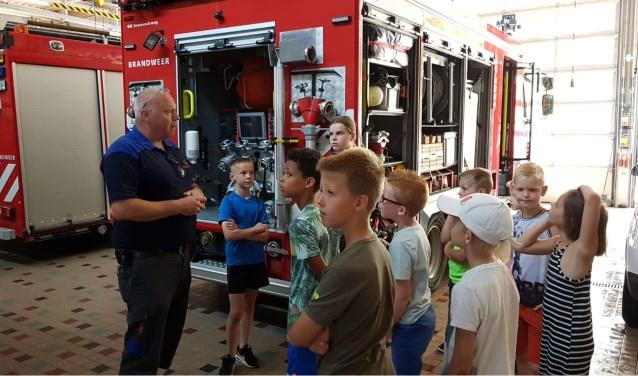 De rondleiding bij de brandweer was voor veel kids een hoogtepunt (Foto: PR)