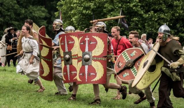 Ook de Romeinen zijn er, terwijl de periode van de Vikingen, Late Middeleeuwen, Gouden Eeuw, Napoleontische tijd en de 20ste eeuw zwaartepunten vormen.