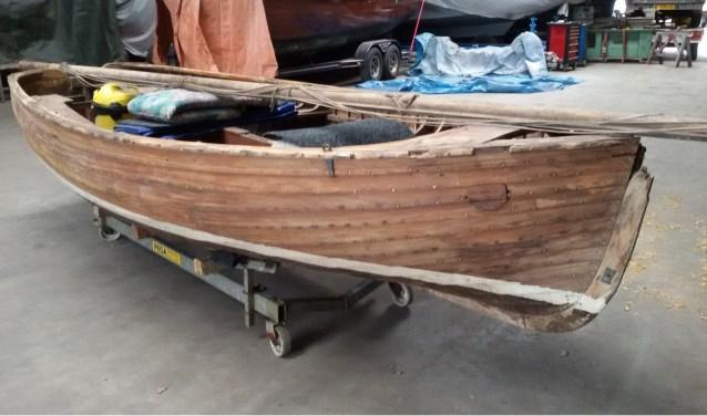 De echte koninklijke sloep ligt nu nog opgeslagen bij de firma Kruiskamp aan het kanaal, maar zal voor zondag 15 juli naar het Huis van Katoen en Nu worden vervoerd