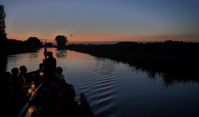 In juli en augustus zijn er op zondag vaste zomeravondvaarten op de Berkel.