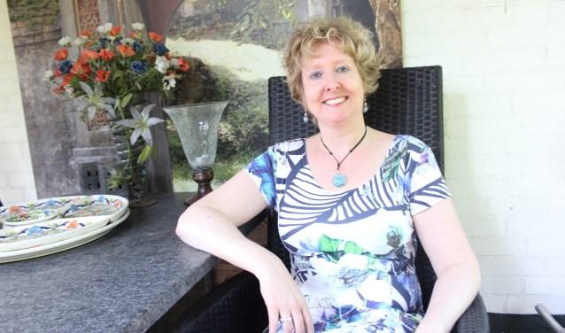 Frédérique Schoenmakers is als verhalenverteller de komende drie zondagen te zien en horen op Landgoed Seldensate. Foto: Wendy van Lijssel