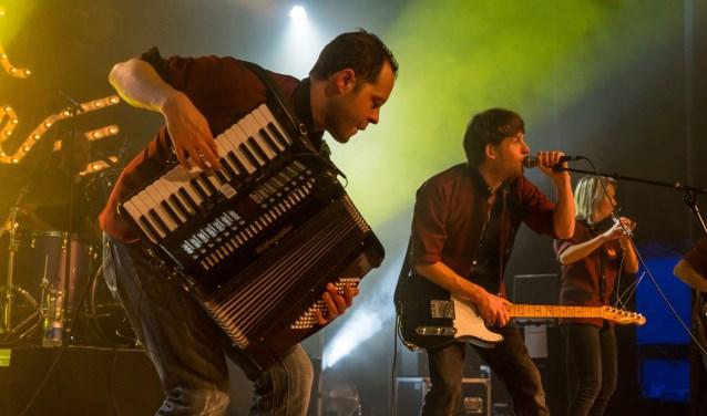 De band Squander Squad met Jasper van den Bosch, Jarek Mathijssen, Erik Siegel, Jamy Rockx en Wieske Matthijssen.